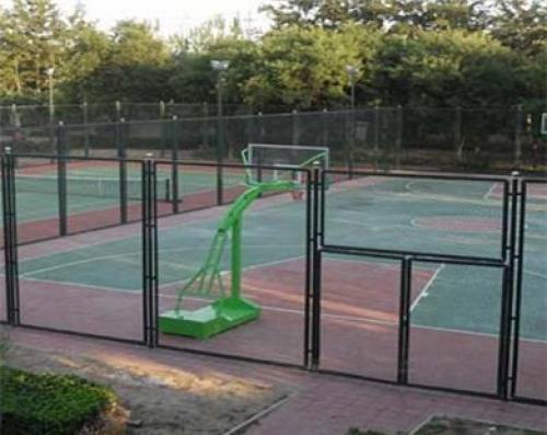 包塑球场围网